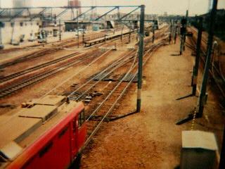 HOLGA写真/赤い電車